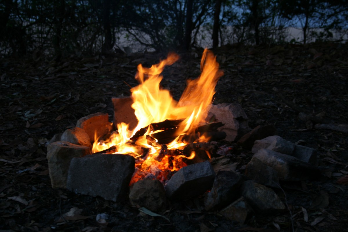 campfire at Punsand Bay (1)